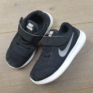 Nike Free RN Boys' Running Shoes 10C
